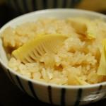 楽天レシピで1位のたけのこご飯。シンプルで美味しい♪