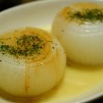 新玉ねぎの丸ごとレンジ蒸しが簡単で美味しい!クックパッドつくれぽ1000の人気レシピ