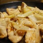 クックパッド人気レシピ!鶏胸肉と長ネギの塩レモン炒めがさっぱり美味しい♪
